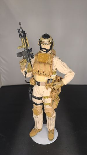 USMC HOT TOYS 1/6 RECON MARINES FIGURE for Sale in Anaheim, CA