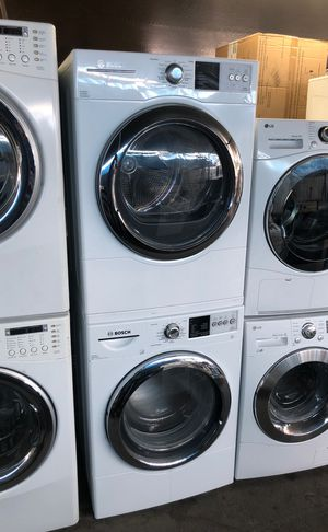 Stackable BOSCH washer and gas dryer. Set for Sale in Los Angeles, CA