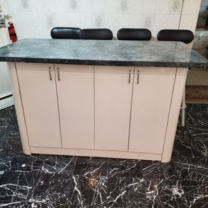 Entire kitchen cabinet set for sale. for Sale in Cedarhurst, NY