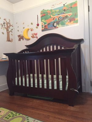 Baby Caché Oxford Lifetime adjustable crib for Sale in Portland, OR