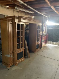 Entertainment Center $300 for Sale in Tulare,  CA