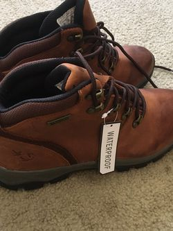 Mens Water Proof Boots! Size 9 New!! for Sale in Malvern,  PA