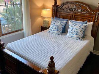 Beautiful Hardwood Queen Bed! for Sale in Aliso Viejo,  CA