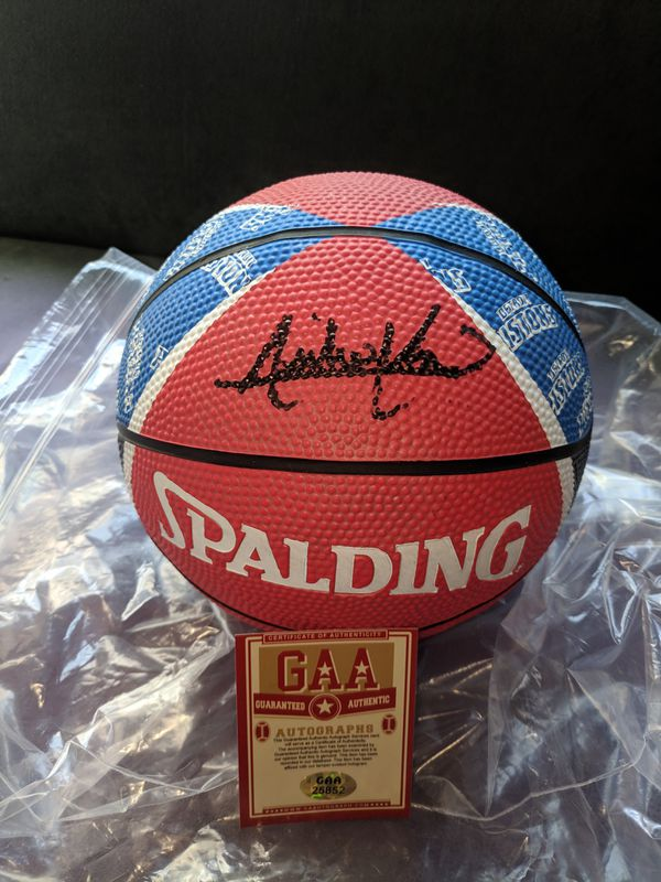 *Pistons FINALS MVP* Isiah Thomas Autographed Basketball with COA