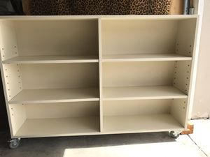 White bookcase for Sale in Kissimmee, FL