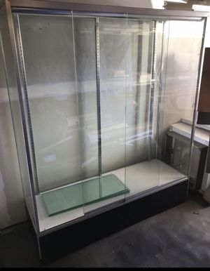 Large glass display case 6ft x 6ft with inside lights. Expensive case for retail or game room for Sale in Tacoma, WA