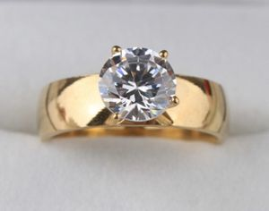 New CZ 1.75 Kt Gold Filled Wedding Ring Size 8 for Sale in HOFFMAN EST, IL