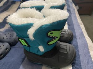 Baby Boy Snow Boots Size 5C for Sale in Denver, CO