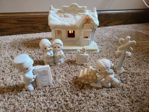 Retired Precious Moments, Sugar Train Station, by Enesco for Sale in Canton, OH