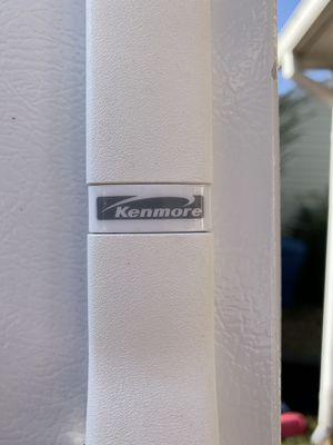 Kenmore Refrigerator with ice maker for Sale in Virginia Beach, VA