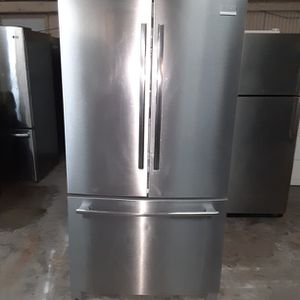 Refrigerator Frigidaire good Condition 3 Months warranty Delivery And Install for Sale in San Lorenzo, CA