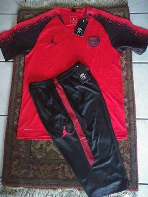 Set Jerseys y Short 3/4 Club PSG Jordán Unisex Size L for Sale in Phoenix, AZ