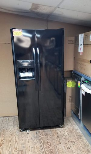 Brand New 33W Frigidaire Black Side By Side Refrigerator for Sale in Moyock, NC