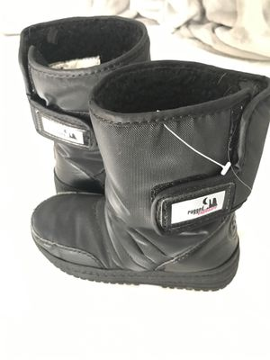 Snow boots for Sale in Tracy, CA
