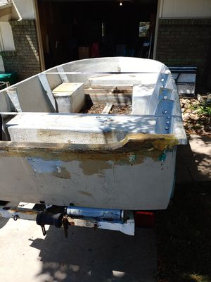 Boat. With trailer for Sale in Lakewood, CO
