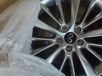 New Infiniti Wheels Never Mounted for Sale in Riverside,  CA