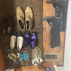 Box Of Shoes Free Pick Up Size 8.5 for Sale in Raleigh, NC