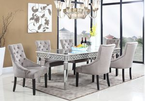 Brand NEW sophie mirrored collection dining table /retails $1200! for Sale in Los Altos, CA