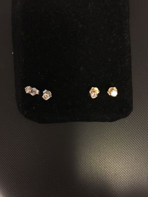 Diamond stud earrings, ea pair 1/6 caret,gold and white gold for Sale in North Springfield, VA