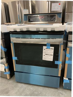 LG 6.3 cu. ft. Electric Single Oven Range with True Convection and EasyClean for Sale in Whittier, CA