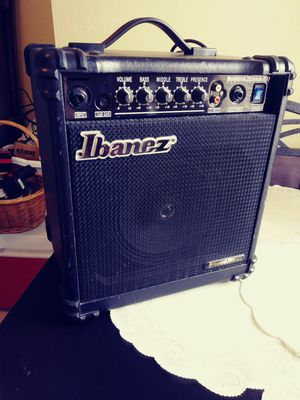 Ibanez Sound Wave Bass Amp. for Sale in Tampa, FL