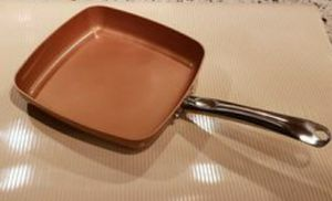 Copper Chef Non-Stick Frying Pan... Dishwasher and Oven safe. for Sale in Chicago, IL