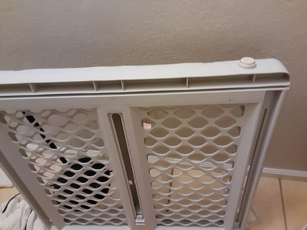 Brand new baby gate