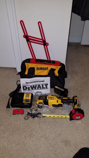 NEW Dewalt 20v MAX brushless xr oscillating multi tool with battery and charger for Sale in Ashburn, VA