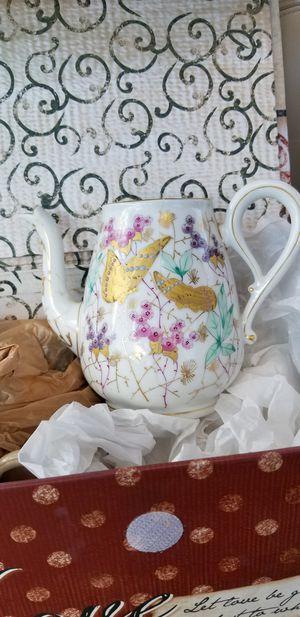 Antique tea pot for Sale in Keokuk, IA