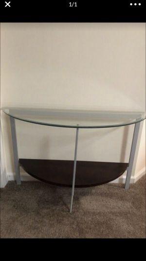 Half decorative table for Sale in Arlington, TX