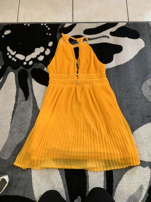 H&M yellow dress for Sale in Las Vegas, NV