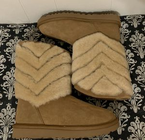 UGG Women's Tania Boots for Sale in Corona, CA
