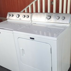 Maytag washer And Gas Dryer Set Works Great Excellent condition! for Sale in Long Beach, CA