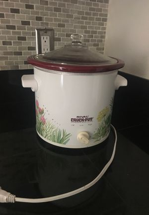 Crock Pot - Small for Sale in Aurora, CO