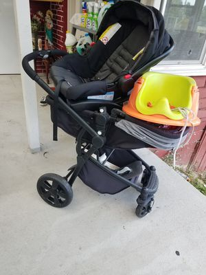 car seat and stroller for Sale in Mount Vernon, WA