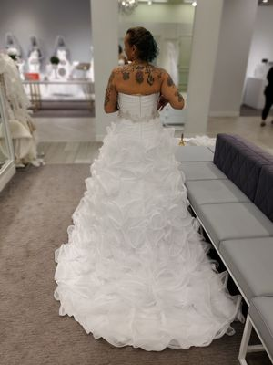 Wedding dress, crown , Vail and petty coat .. Pick up for Sale in Worcester, MA