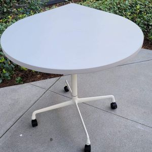 Teardrop Table By Herman Miller ... 10 Available for Sale in San Diego, CA