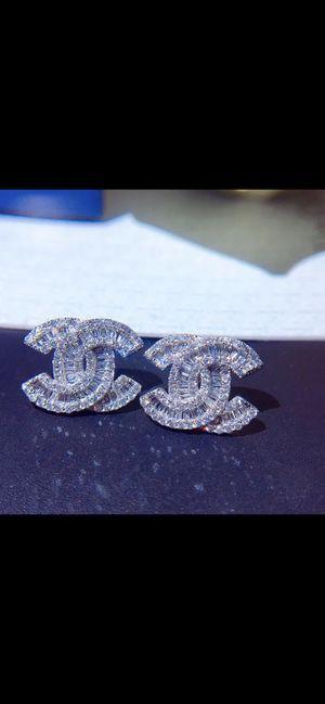 Brand new real 18K gold CC VV1 Moissanite diamond earring for Sale in Torrance, CA