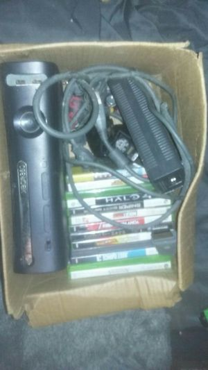 Xbox 360 elite with random assortment of games and controlers for Sale in Mount Vernon, OH