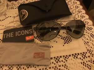 RayBan Aviator Sunglasses for Sale in Colchester, CT