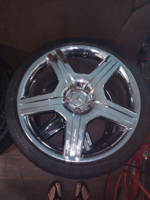 Mercedes Rims with new continental tires. for Sale in Henderson, NV
