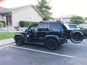 05 Jeep Liberty 3.7L FWD for Sale in Montpelier, MD