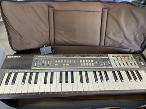 Casio keyboard MT-100 with stand/ music holder/case for Sale in Surprise, AZ