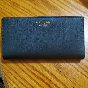 Large Card Hold Kate Spade for Sale in Silver Spring, MD