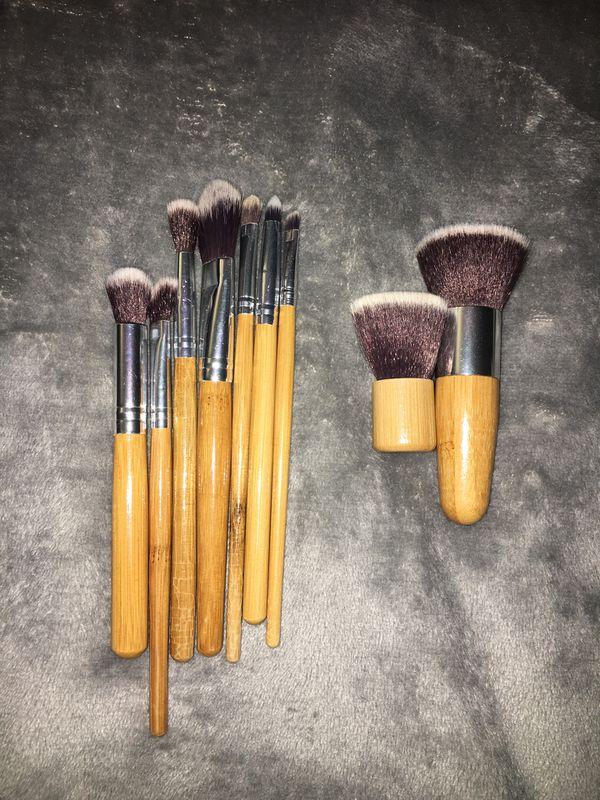 $2 makeup brushes
