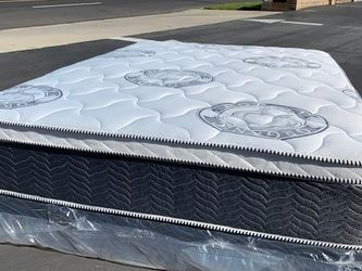 Queen Diamond Collection Mattress for Sale in Downey,  CA