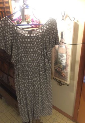 Misses soft stretch Cotton dress gray with white dots Pre-owned size large xl for Sale in Northfield, OH