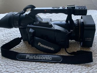 Panasonic MiniDV Camera-Recorder +Accesories for Sale in Santa Monica,  CA