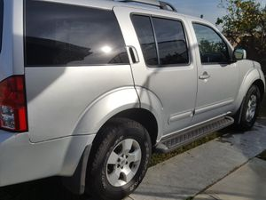 Nissan Pathfinder SE for Sale in Claremont, CA