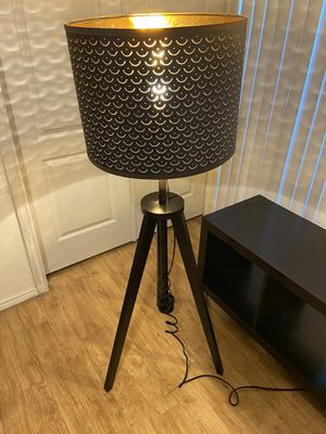 "Tripod Style adjustable up and down lamp brown and gold 53""tall does get taller and it's 18""wide for Sale in Mesa, AZ"
